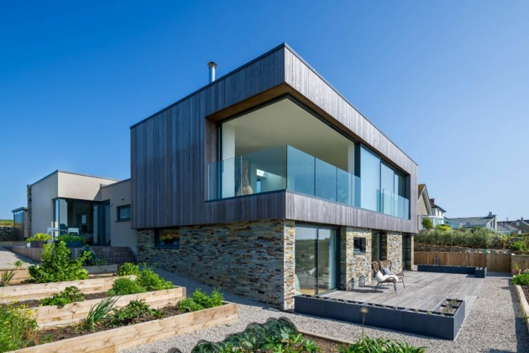 Incredible Cornish self-build with corner opening sliding doors