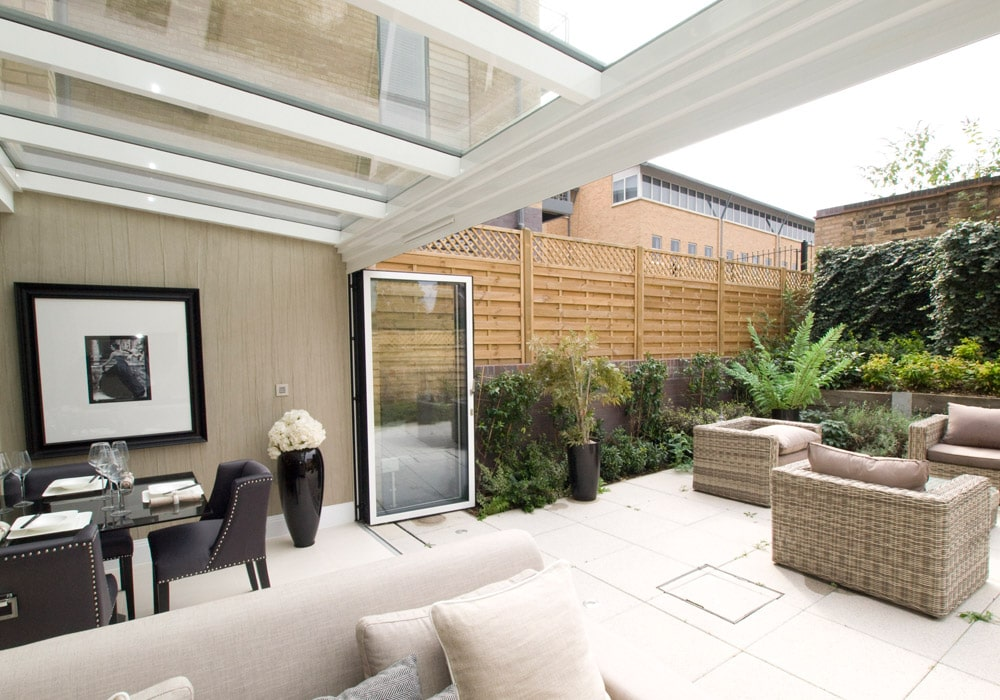 Lean-to roof above bifold doors