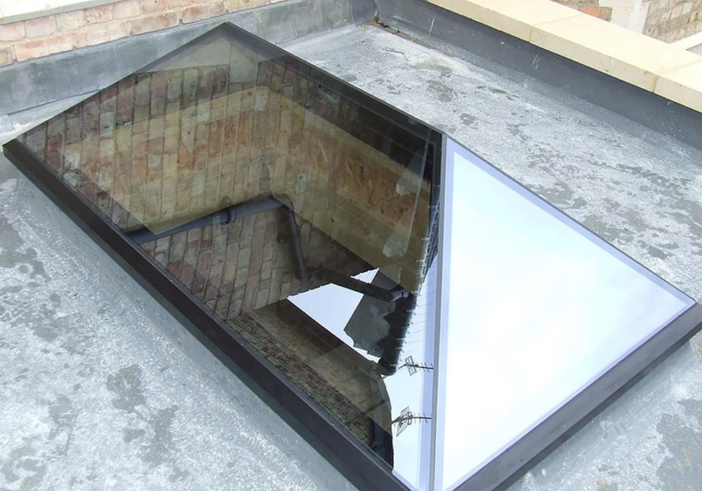 Frameless glass lanterns