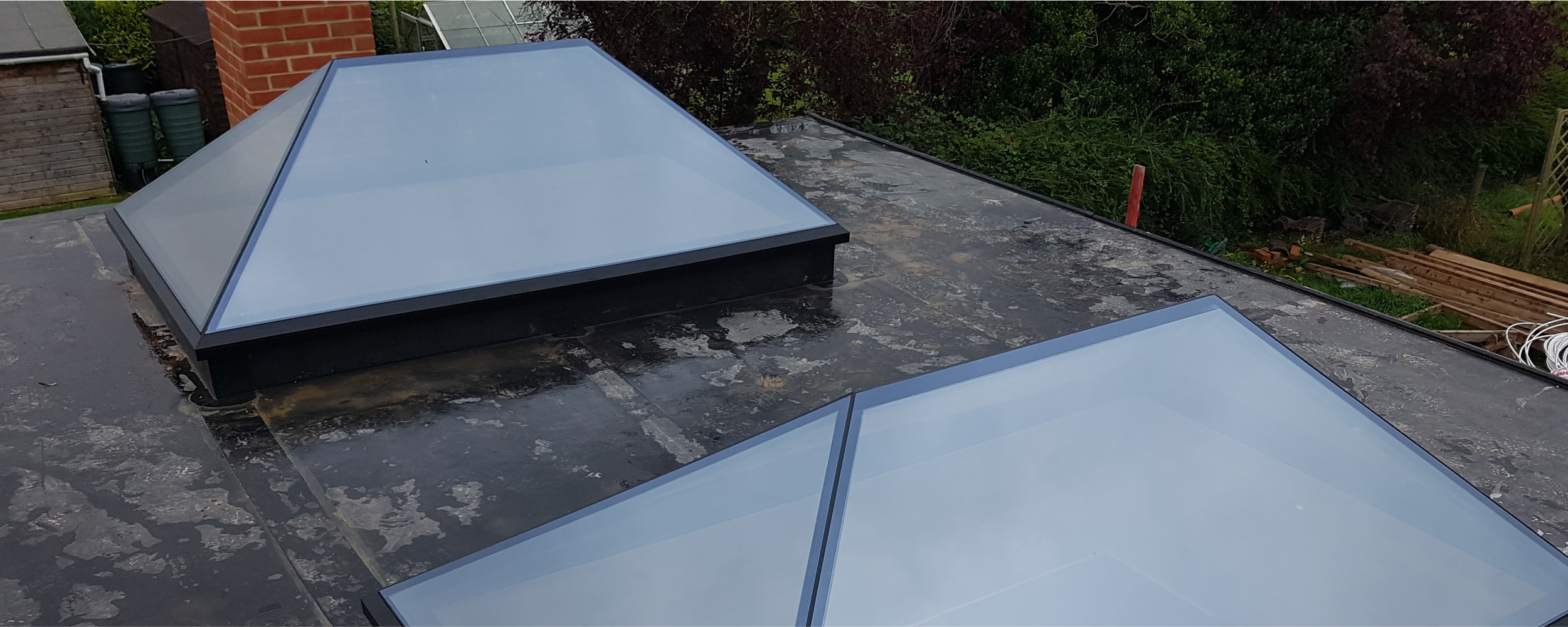 Exterior view of the Frameless glass roof lanterns
