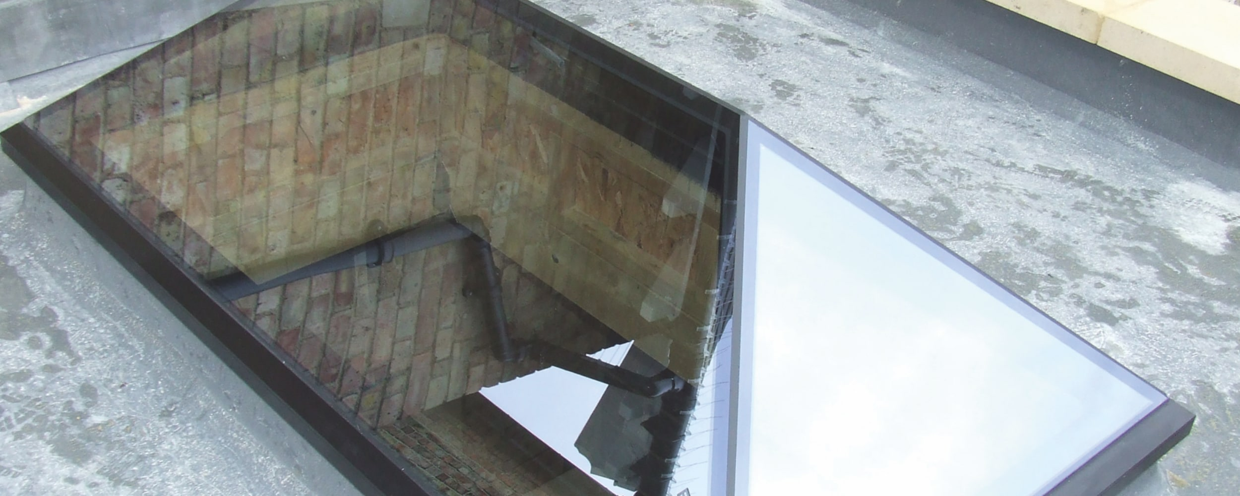 Frameless glass roof lanterns