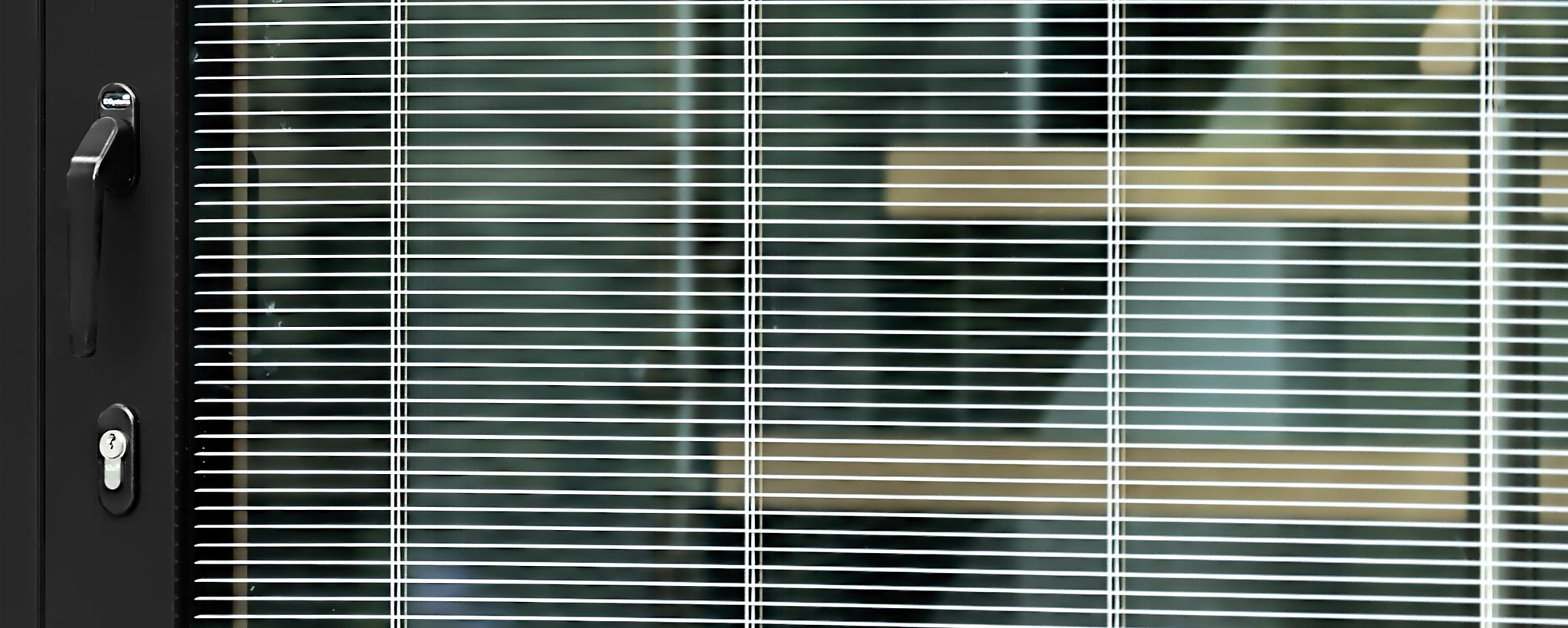 Integrated Venetian blinds