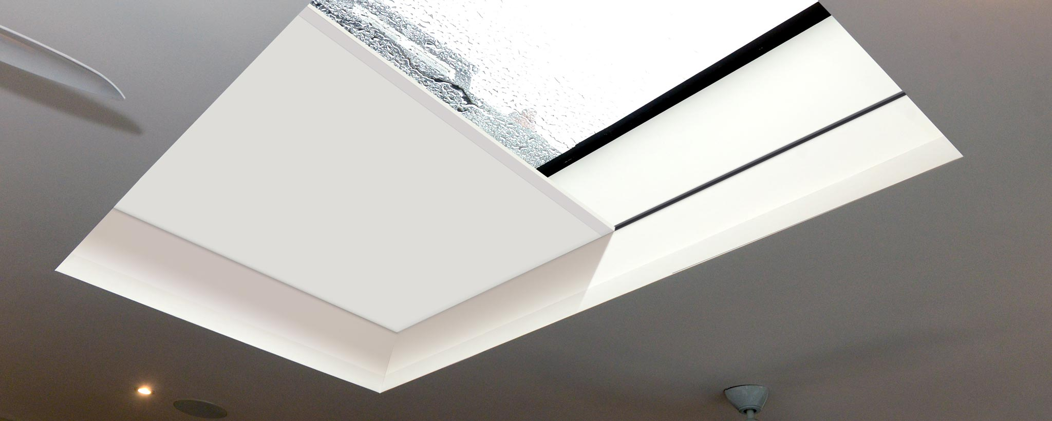 Rooflight and lantern blinds