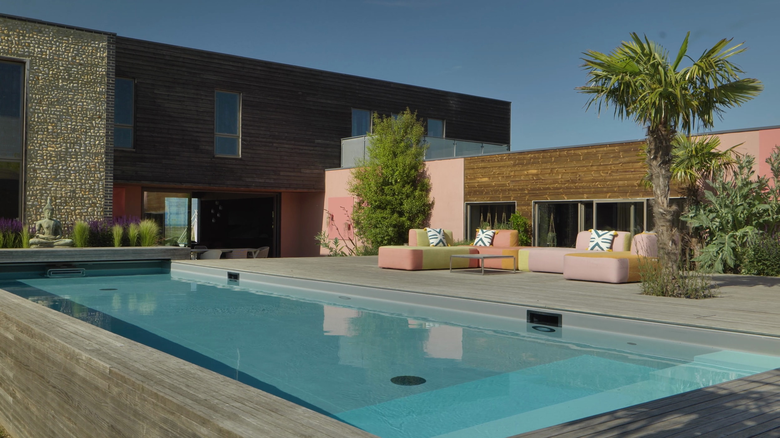 The Pool and Courtyard at Bliss Blakeney