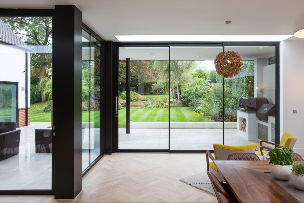 IDSystems theEDGE2.0 sliding doors - Three sets of sliding doors breakdown the boundaries between inside and out