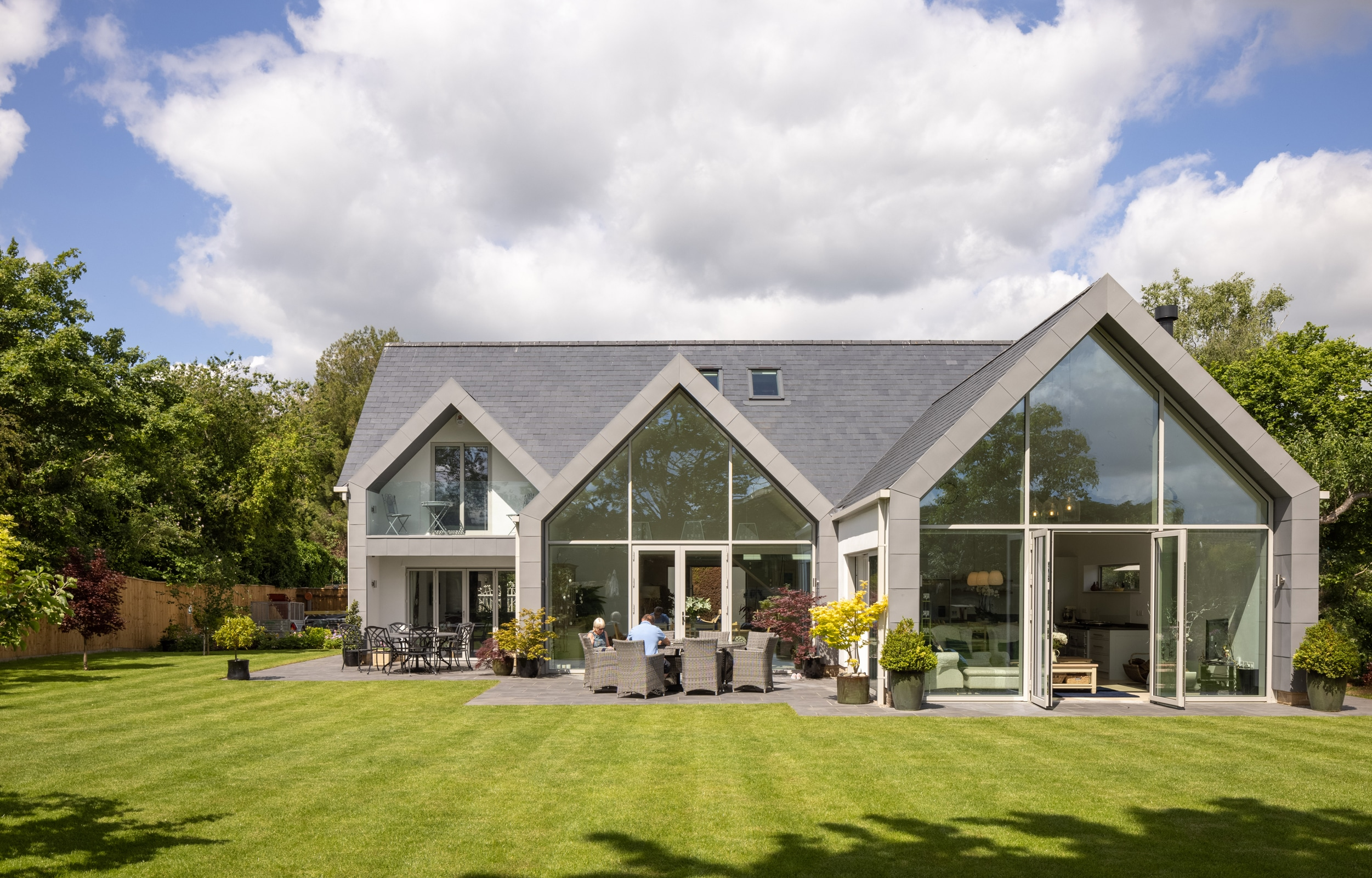 IDSystems Thermo65 aluminium French doors with sidelights and gable end