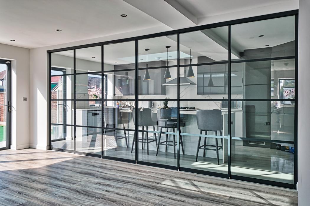 Art Deco inspired SF20 internal sliding doors